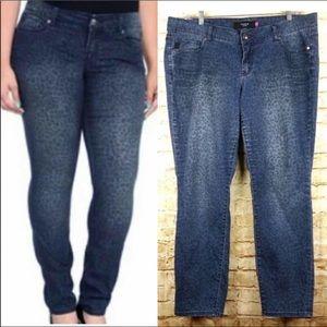 Torrid size 20 Jeans